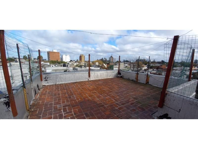 Azotea amplia tipo terraza de uso exclusivo